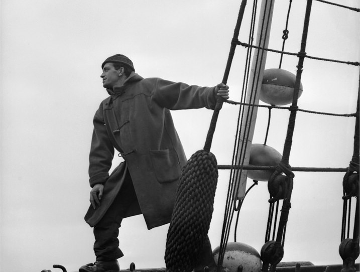Sailor-in-duffle-coat-on-November-20-1942.jpg