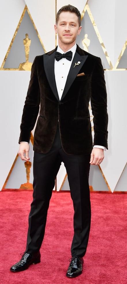 Josh-Dallas-Ginnifer-Goodwin-2017-Oscars_Fotor.jpg