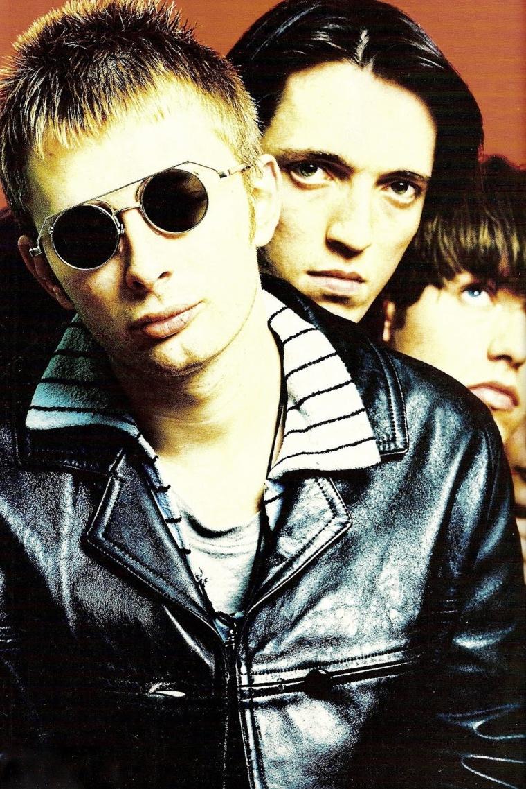 thom yorke colin greenwood ed obrien radiohead 1991 round sunglasses.jpg