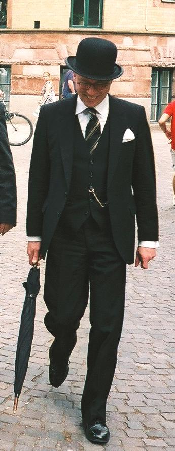 Gentleman_in_bowler