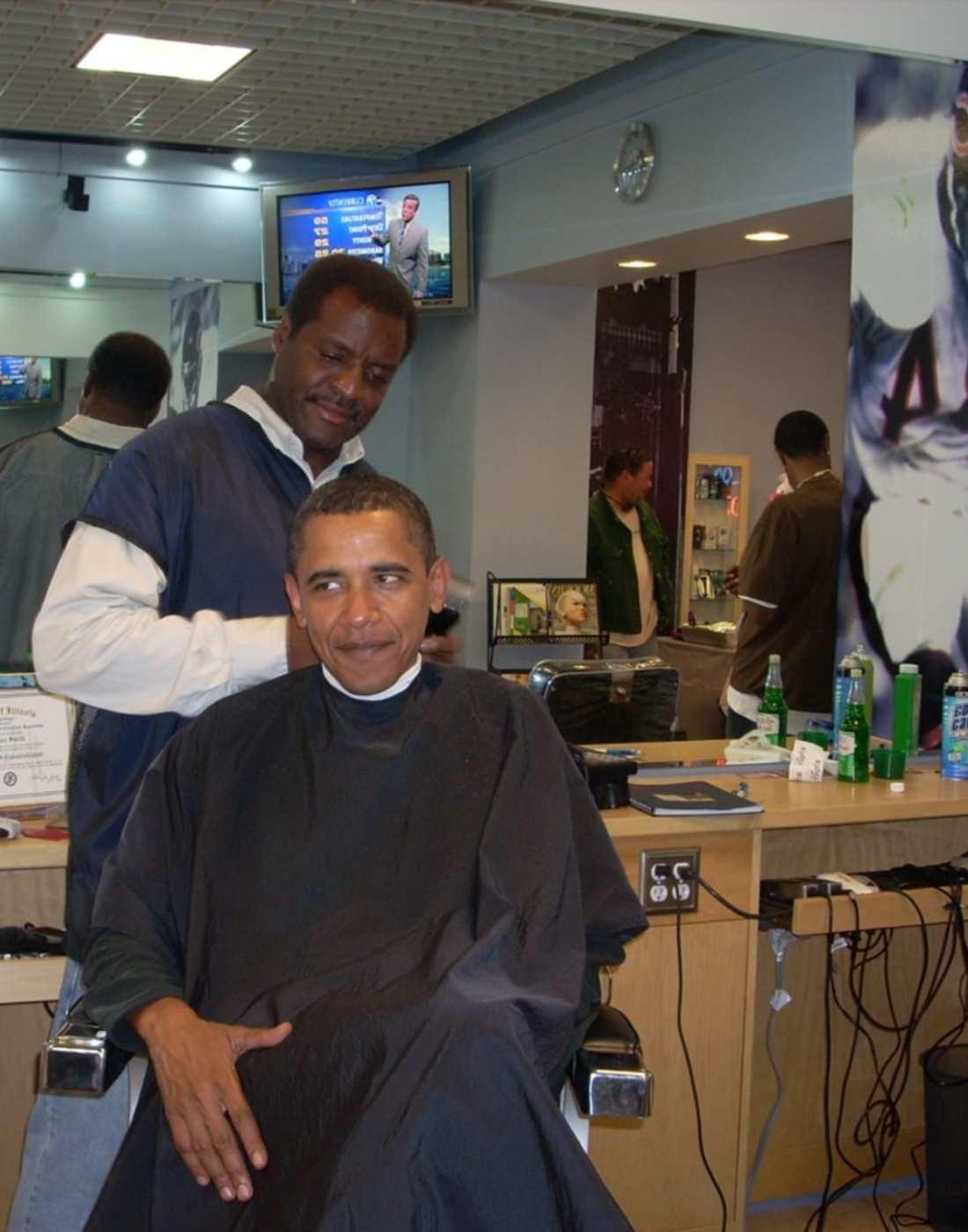 president-obama-and-barber.jpg